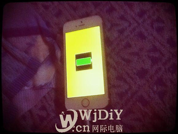 苹果手机充电黄屏 怎么处理手机充电黄屏
