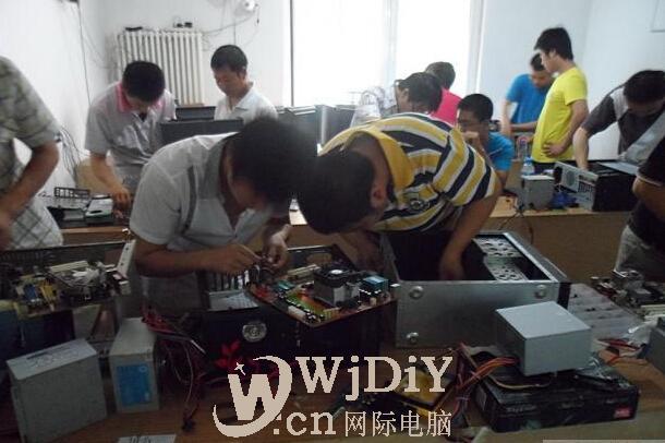 深圳龙华民治店招电脑维修学徒