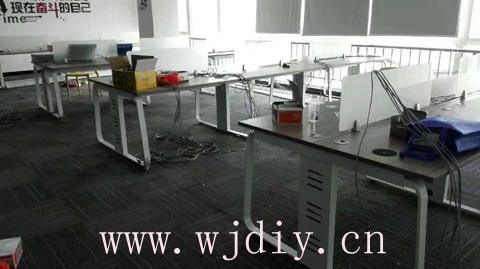 龙华民治嘉熙业广场8楼办公室卡位强电弱电布线